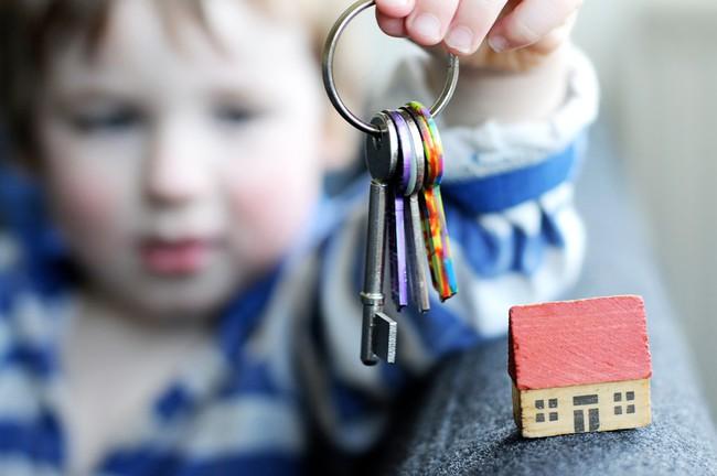 7 loại vật dụng trong nhà hầu như trẻ nào cũng thích lấy làm đồ chơi này có thể gây nguy hiểm khôn lường mà bố mẹ không hề biết - Ảnh 2.