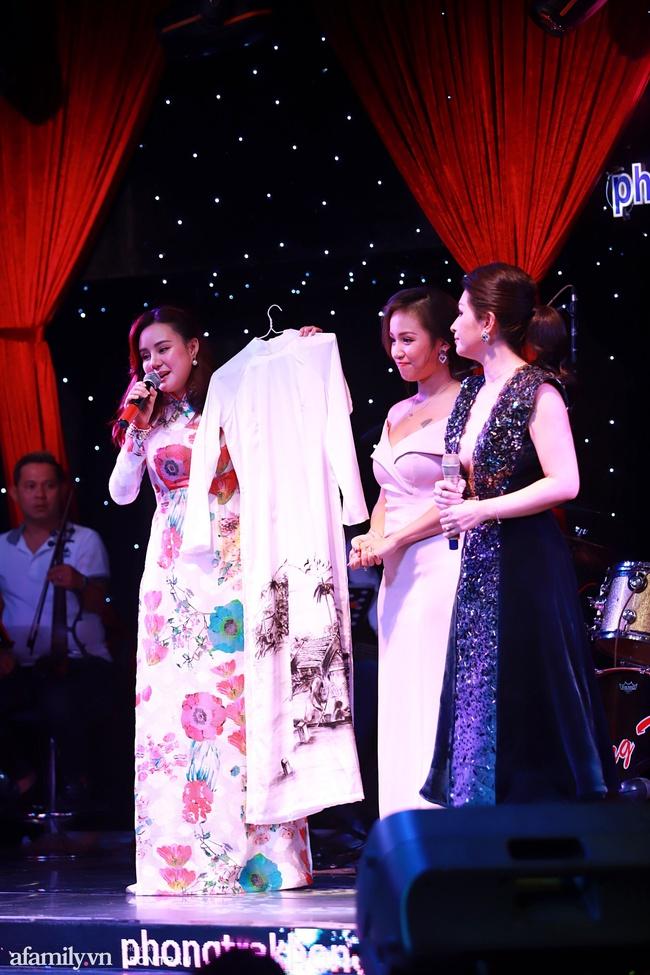 Chồng sắp cưới Vân Hugo mạnh tay chi 80 triệu mua vật phẩm từ thiện của Lệ Quyên và Quang Lê - Ảnh 7.