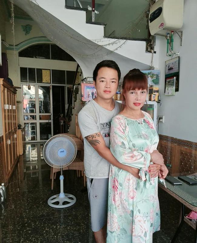 Tự tin khoe ảnh lão hóa ngược, cô dâu 63 tuổi ở Cao Bằng khiến ai nấy bất ngờ khi lộ mặt mộc 6 năm về trước - Ảnh 4.