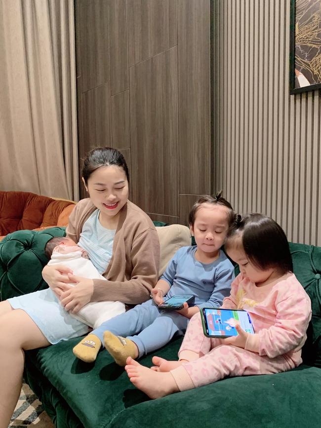 Tưởng hot mom Hằng Túi hiện đại, hóa ra mẹ 5 con kiêng cữ kiểu truyền thống, 7 ngày không gội đầu  - Ảnh 3.