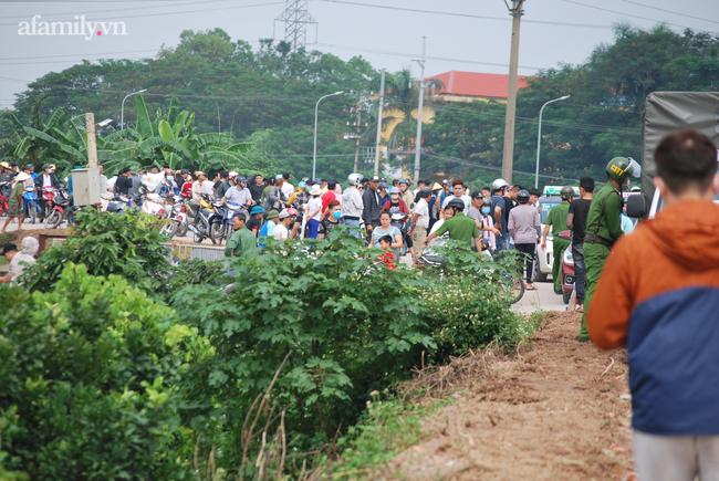 Người thân khóc ngất khi phát hiện một thi thể nghi vấn là nữ sinh mất tích ở Hà Nội - Ảnh 11.