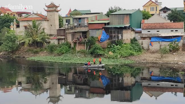 Vụ phát hiện thi thể nữ sinh ở Hà Nội:2 đối tượng đã thực hiện cướp điện thoại rồi đẩy nạn nhân xuống sông - Ảnh 8.