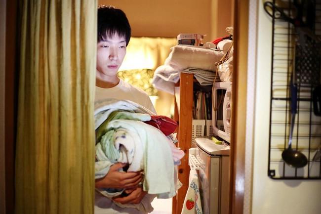 """Cuộc sống lay lắt của """"thế hệ thua cuộc"""" ở Nhật Bản: Nửa cuối đời vẫn thất nghiệp, ăn dầm nằm dề trông cậy cả vào bố mẹ, trở thành nỗi xấu hổ thất vọng cho gia đình - Ảnh 5."""