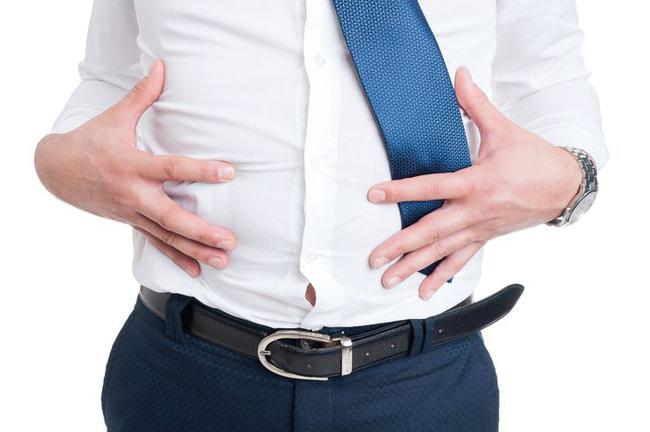 """Đàn ông sau 45 tuổi nếu có """"1 to, 2 nhỏ, 2 mùi"""" cảnh báo sức khỏe đang bị suy yếu - Ảnh 1."""