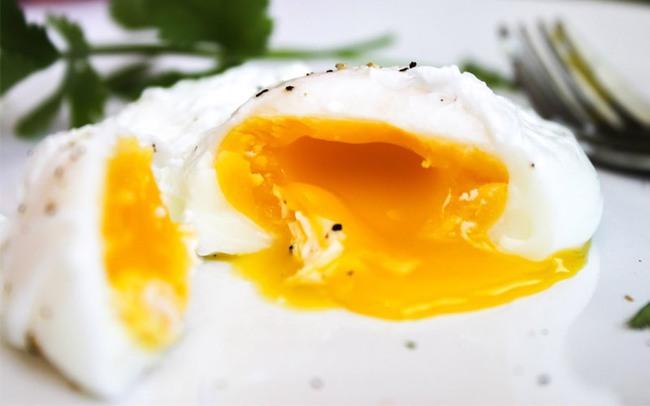 """Cách làm 3 bữa sáng nhanh gọn nhẹ với trứng, chị em chỉ mất chưa đầy 5 phút thao tác đã có thể tự tin """"ấm bụng"""" bước ra đường! - Ảnh 4."""