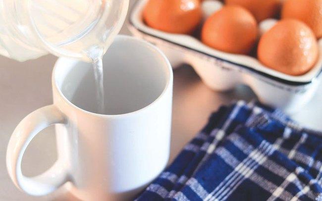 """Cách làm 3 bữa sáng nhanh gọn nhẹ với trứng, chị em chỉ mất chưa đầy 5 phút thao tác đã có thể tự tin """"ấm bụng"""" bước ra đường! - Ảnh 2."""