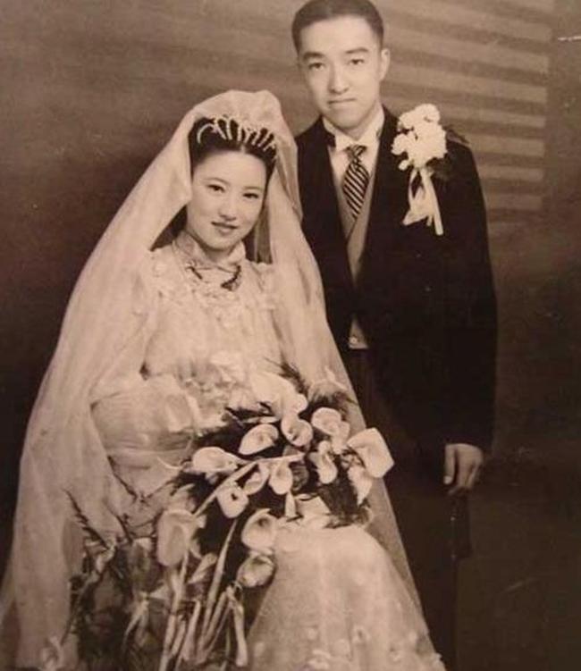 Sau khi cưới người giàu bậc nhất Thượng Hải bằng hôn lễ xa hoa, tiểu thư gặp biến cố phải bán hàng đường phố và cùng chồng xây dựng đế chế kinh doanh trị giá hàng trăm triệu đô - Ảnh 2.