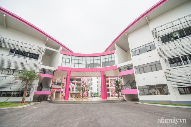 Những ngôi trường nội trú giữa lòng Hà Nội khiến nhiều phụ huynh phấn khích muốn đưa con vào học ngay lập tức - Ảnh 1.