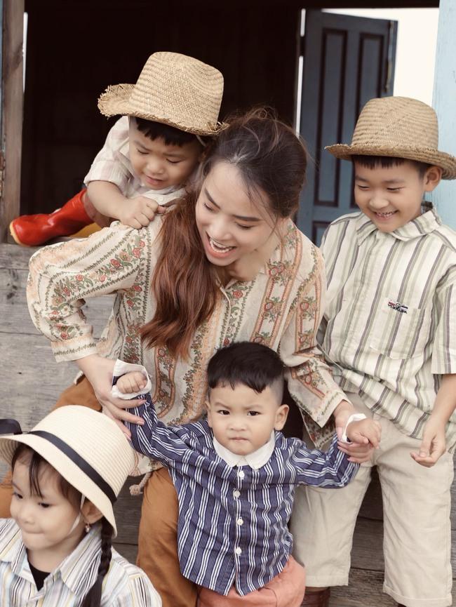 Phát sốt trước bộ ảnh gia đình nông dân của Thành Đạt - Hải Băng và 4 con nhỏ - Ảnh 5.