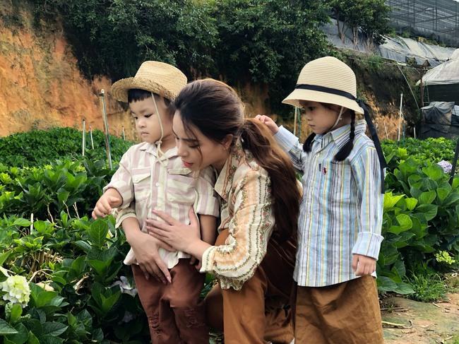 Phát sốt trước bộ ảnh gia đình nông dân của Thành Đạt - Hải Băng và 4 con nhỏ - Ảnh 4.