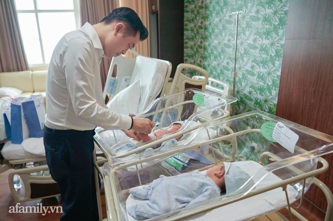"""Dương Khắc Linh bỡ ngỡ khi làm """"ông bố 2 con"""", càng yêu thương Sara Lưu hơn sau sinh - Ảnh 3."""