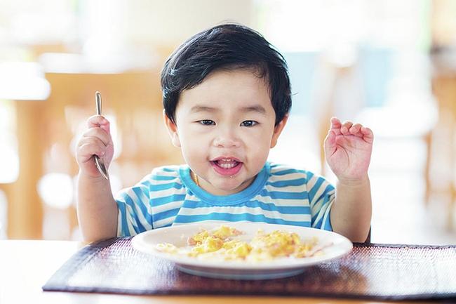 Trẻ không còn biếng ăn nhờ 5 bí quyết vô cùng đơn giản - Ảnh 2.