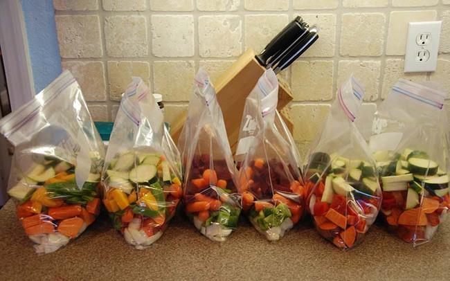 Chỉ với vật dụng quen thuộc này, chị em có thể bảo quản rau củ trong tủ lạnh cả 1 tuần, đảm bảo rau vẫn tươi xanh như vừa mới mua! - Ảnh 3.