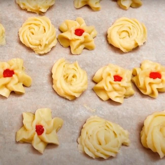 Chẳng cần lò nướng, chị em vẫn có thể cho ra đời những chiếc bánh quy bơ vừa đẹp mắt, vừa ngon nhờ lò vi sóng - Ảnh 7.