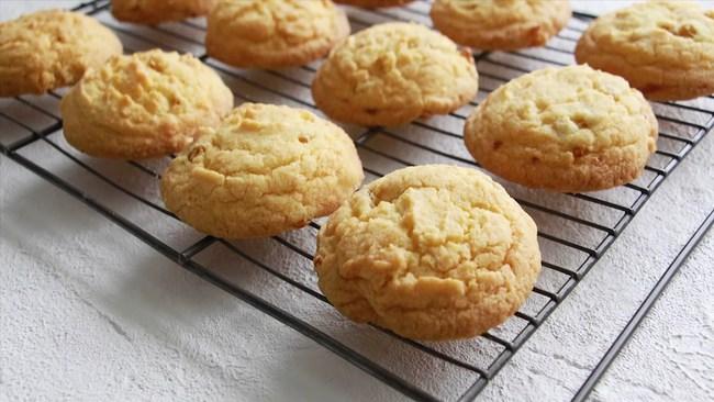 Chẳng cần lò nướng, chị em vẫn có thể cho ra đời những chiếc bánh quy bơ vừa đẹp mắt, vừa ngon nhờ lò vi sóng - Ảnh 1.