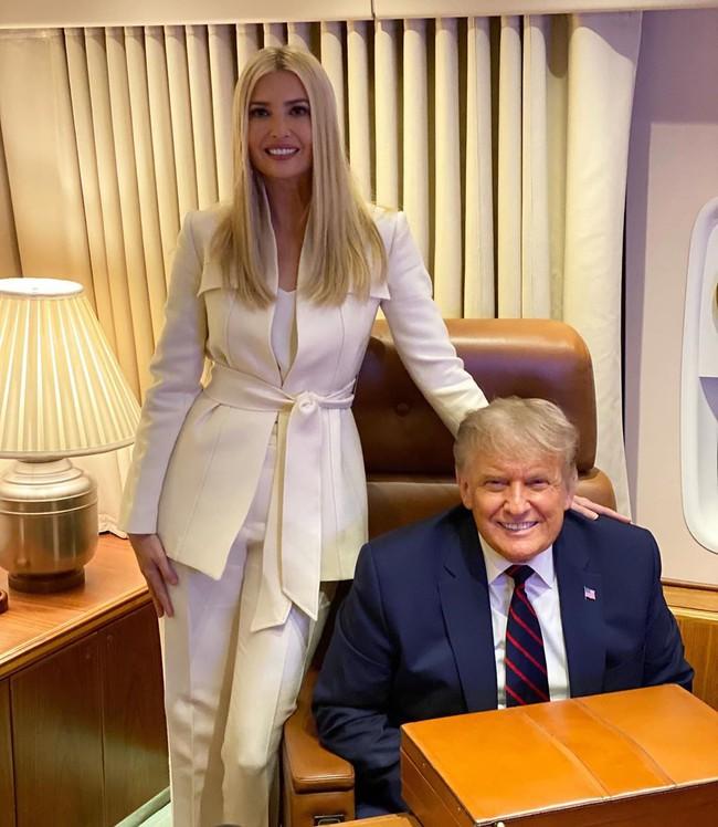 """Tổng thống Mỹ vào viện và có thêm kết quả xét nghiệm Covid-19 của vợ chồng """"nữ thần"""" Ivanka Trump - Ảnh 1."""