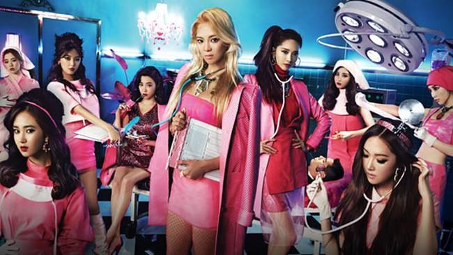 Jennie (BLACKPINK) gây tranh cãi vì tạo hình phản cảm, lộ đùi trắng nõn trong MV mới, netizen Hàn đang quá khắt khe? - Ảnh 7.