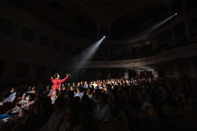 Quang Dũng ngọt ngào song ca cùng Hồng Nhung trong đêm nhạc quyên góp cho đồng bào miền Trung - Ảnh 5.