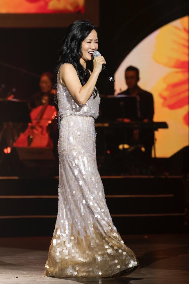 Quang Dũng ngọt ngào song ca cùng Hồng Nhung trong đêm nhạc quyên góp cho đồng bào miền Trung - Ảnh 9.