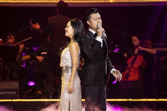 Quang Dũng ngọt ngào song ca cùng Hồng Nhung trong đêm nhạc quyên góp cho đồng bào miền Trung - Ảnh 8.