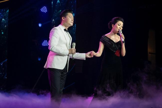 Quang Dũng ngọt ngào song ca cùng Hồng Nhung trong đêm nhạc quyên góp cho đồng bào miền Trung - Ảnh 10.