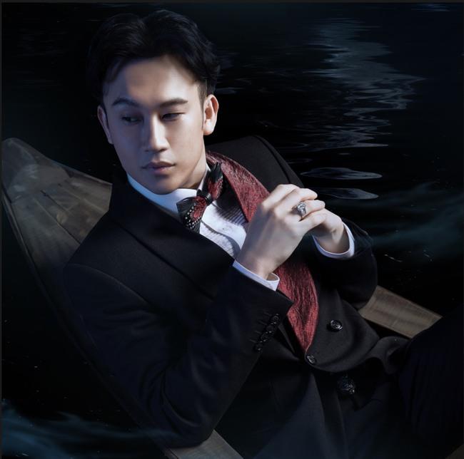 Dương Triệu Vũ hé lộ hình ảnh say trăng đầy ma mị, bồng bềnh trên biển nước - Ảnh 3.