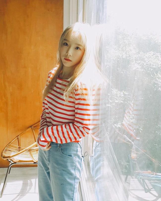 """Ngoài tuổi băm và luôn muốn trông trẻ măng sành điệu, các nàng hãy học style của """"chị đại"""" Taeyeon ngay đi! - Ảnh 10."""