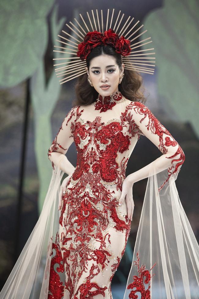 """Hoa hậu Khánh Vân hóa """"Nữ thần rừng"""" cực thần thái và quyền lực - Ảnh 2."""