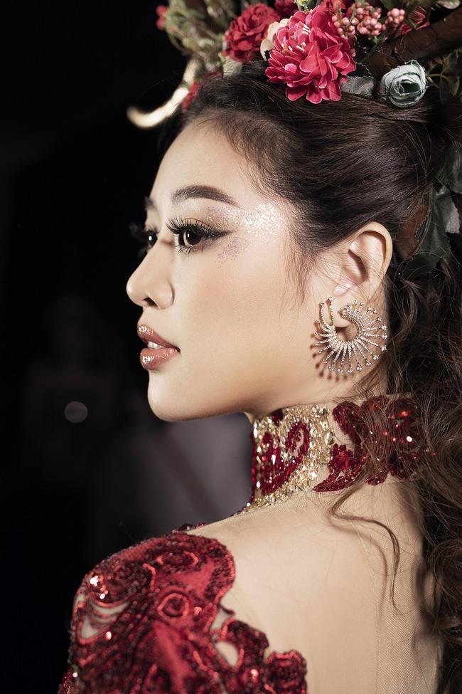 """Hoa hậu Khánh Vân hóa """"Nữ thần rừng"""" cực thần thái và quyền lực - Ảnh 5."""