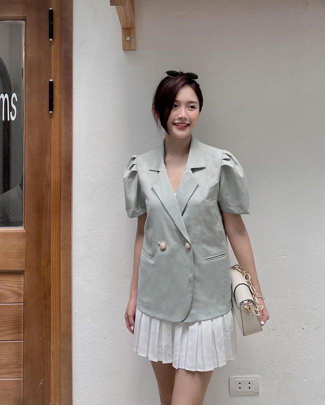 Nhìn Hà Tăng diện blazer cộc tay, hội chị em chỉ muốn copy ngay set đồ này để mặc đi làm  - Ảnh 11.