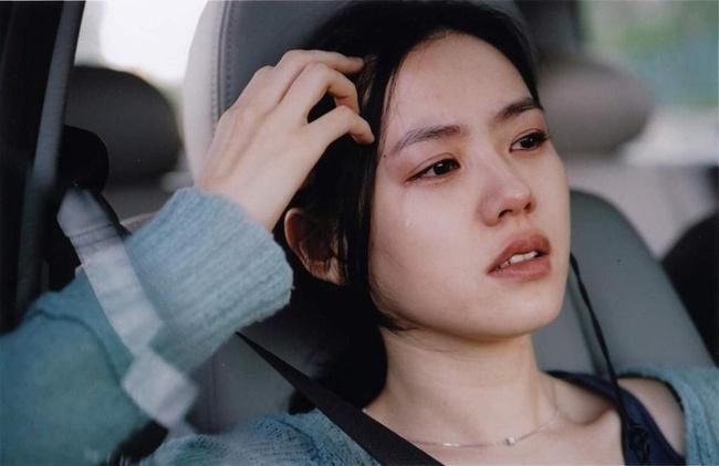 """""""Con ghẻ quốc dân"""" Song Hye Kyo bất ngờ được dân Hàn khen nức nở, nguyên nhân lại trùng hợp với việc Kim Tae Hee, Son Ye Jin bị chê bai  - Ảnh 4."""