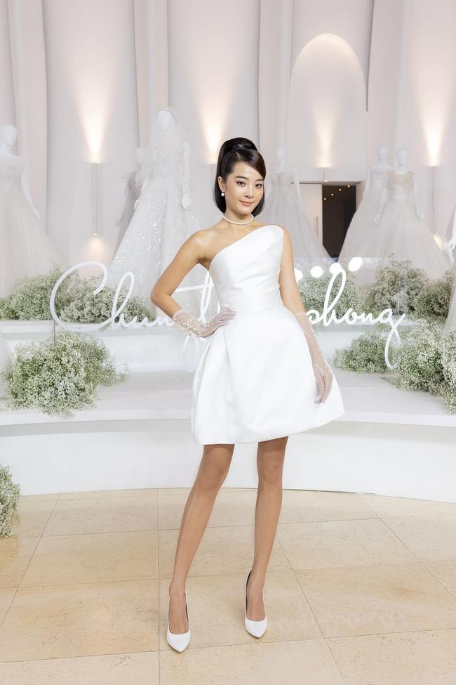 """Con gái Minh Nhựa tình tứ bên chồng, Linh Chi diện váy xẻ cao """"chặt đẹp"""" các cặp đôi khác  - Ảnh 20."""