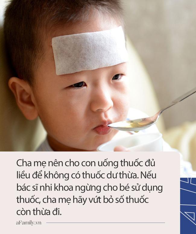 5 điều quan trọng cha mẹ cần hỏi khi bác sĩ kê kháng sinh cho con - Ảnh 3.