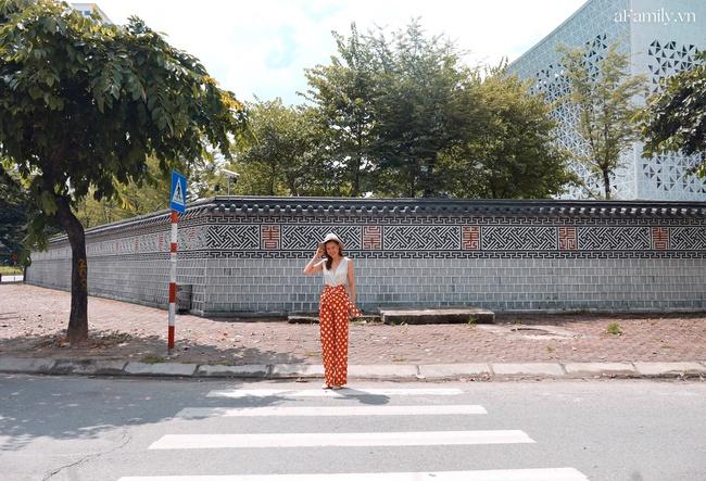 Bức tường Hàn Quốc giống hệt hoàng cung xứ sở kim chi ngay giữa lòng Hà Nội khiến giới trẻ rủ nhau đến check in rầm rộ - Ảnh 3.
