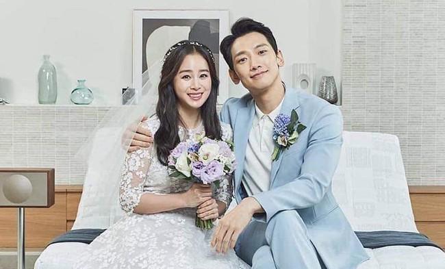 """Gia đình Bi Rain - Kim Tae Hee hoang mang khi những kẻ lạ mặt """"ghé thăm"""" và có hành động quá khích trước căn biệt thự của họ vào lúc đêm khuya - Ảnh 2."""