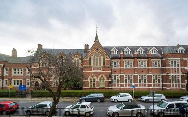 Con gái giành học bổng ở trường mà Hoàng tử, Công chúa Anh đang theo học, bà mẹ Hải Phòng tiết lộ bí quyết ôn thi thành công - Ảnh 3.