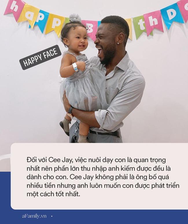 """Chàng trai châu Phi làm rể Hà Nội bị bố vợ hỏi: """"Đủ tiền nuôi gia đình không?"""", đến lúc có con riêng tiền xe đẩy, cũi, ghế ngồi cũng 50 triệu - Ảnh 6."""