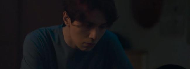 """""""Bạn trai tôi là hồ ly"""": Lee Dong Wook liên tục khóa môi Jo Bo Ah, nhưng sốc nhất lại là tạo hình nữ tính quá sai trái - Ảnh 4."""