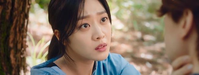 """""""Bạn trai tôi là hồ ly"""": Lee Dong Wook liên tục khóa môi Jo Bo Ah, nhưng sốc nhất lại là tạo hình nữ tính quá sai trái - Ảnh 7."""