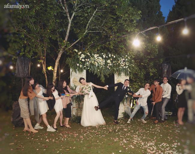 Nhìn đám cưới đẹp như mơ ai cũng tấm tắc khen lãng mạn, kẻ cô đơn thì ước ao, nào ai ngờ hậu trường trước đó đã từng rối như canh hẹ thế này! - Ảnh 7.