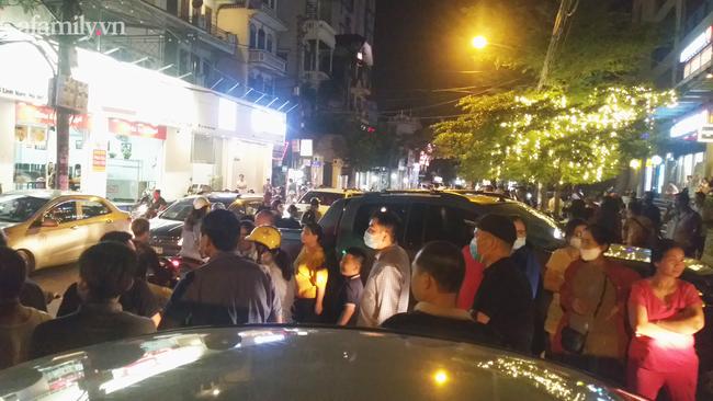 Hà Nội: Phản đối chủ đầu tư chiếm tầng hầm, cư dân dùng sân làm chỗ để xe - Ảnh 12.