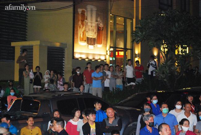 Hà Nội: Phản đối chủ đầu tư chiếm tầng hầm, cư dân dùng sân làm chỗ để xe - Ảnh 4.