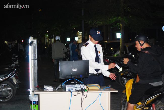 Hà Nội: Phản đối chủ đầu tư chiếm tầng hầm, cư dân dùng sân làm chỗ để xe - Ảnh 9.