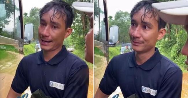 Đi làm mướn ở xa, quê nhà bị sạt lở tại Trà Leng người đàn ông đi bộ một ngày trời, vừa đi vừa khóc van xin người đi đường cho quá giang để kịp về với vợ con - Ảnh 2.