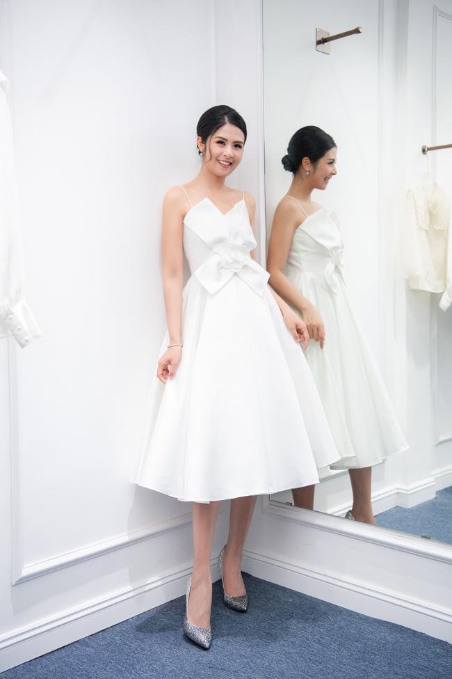 Hoa hậu Ngọc Hân đọ sắc cùng đàn chị Thụy Vân, háo hức chờ ngày lên xe hoa về nhà chồng  - Ảnh 2.