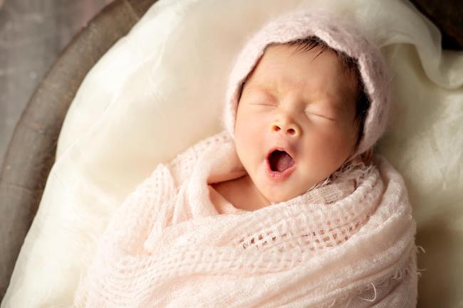 """Vừa sinh con ít ngày Pha Lê phải trải qua cảm giác đau đớn, bất lực, hét ầm lên khi con khóc: """"Mày im đi"""" - Ảnh 5."""