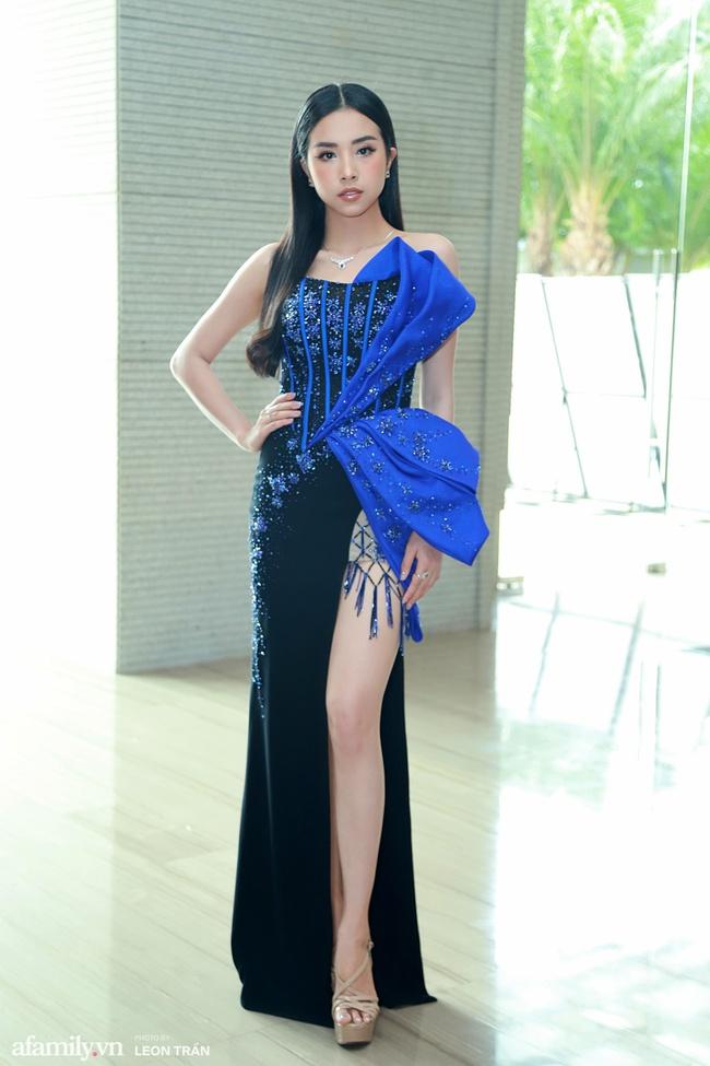 Dàn hậu váy áo lộng lẫy, khoe sắc trong họp báo Chung kết toàn quốc Hoa Hậu Việt Nam 2020 - Ảnh 3.