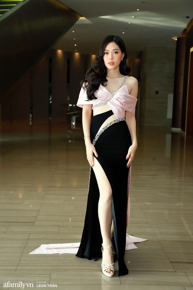 Dàn hậu váy áo lộng lẫy, khoe sắc trong họp báo Chung kết toàn quốc Hoa Hậu Việt Nam 2020 - Ảnh 8.