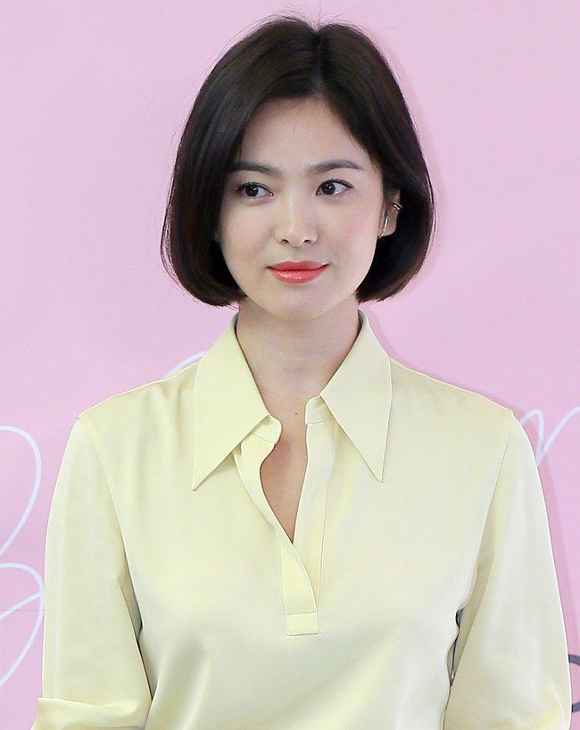 """Nhìn bộ sưu tập tóc ngắn của Song Hye Kyo là biết ngay kiểu nào giúp hack tuổi, kiểu nào khiến chị em """"dừ"""" hẳn đi - Ảnh 3."""
