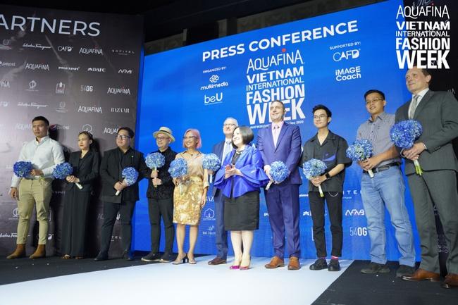 Công Trí chính thức là nhà thiết kế mở màn tại Aquafina Tuần lễ Thời trang Quốc tế Việt Nam - Ảnh 2.